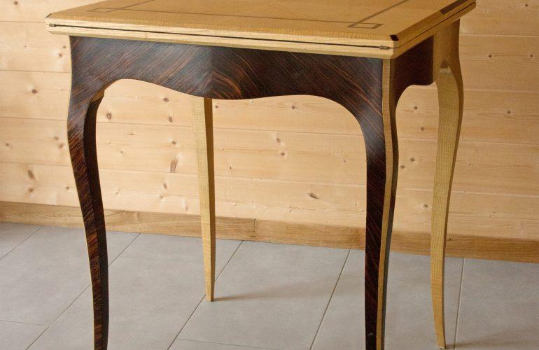 mobilier raffiné et fait maison
