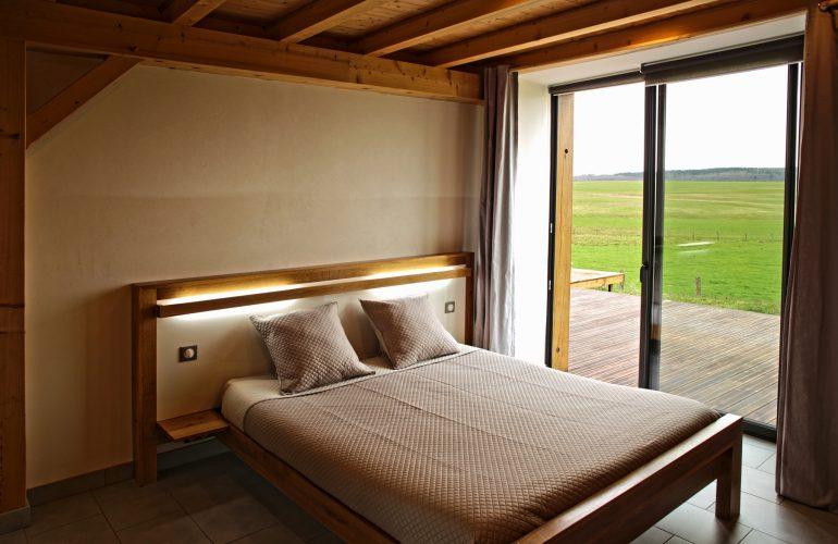 Vue panoramique chambre au rez de chaussée mobilier raffiné
